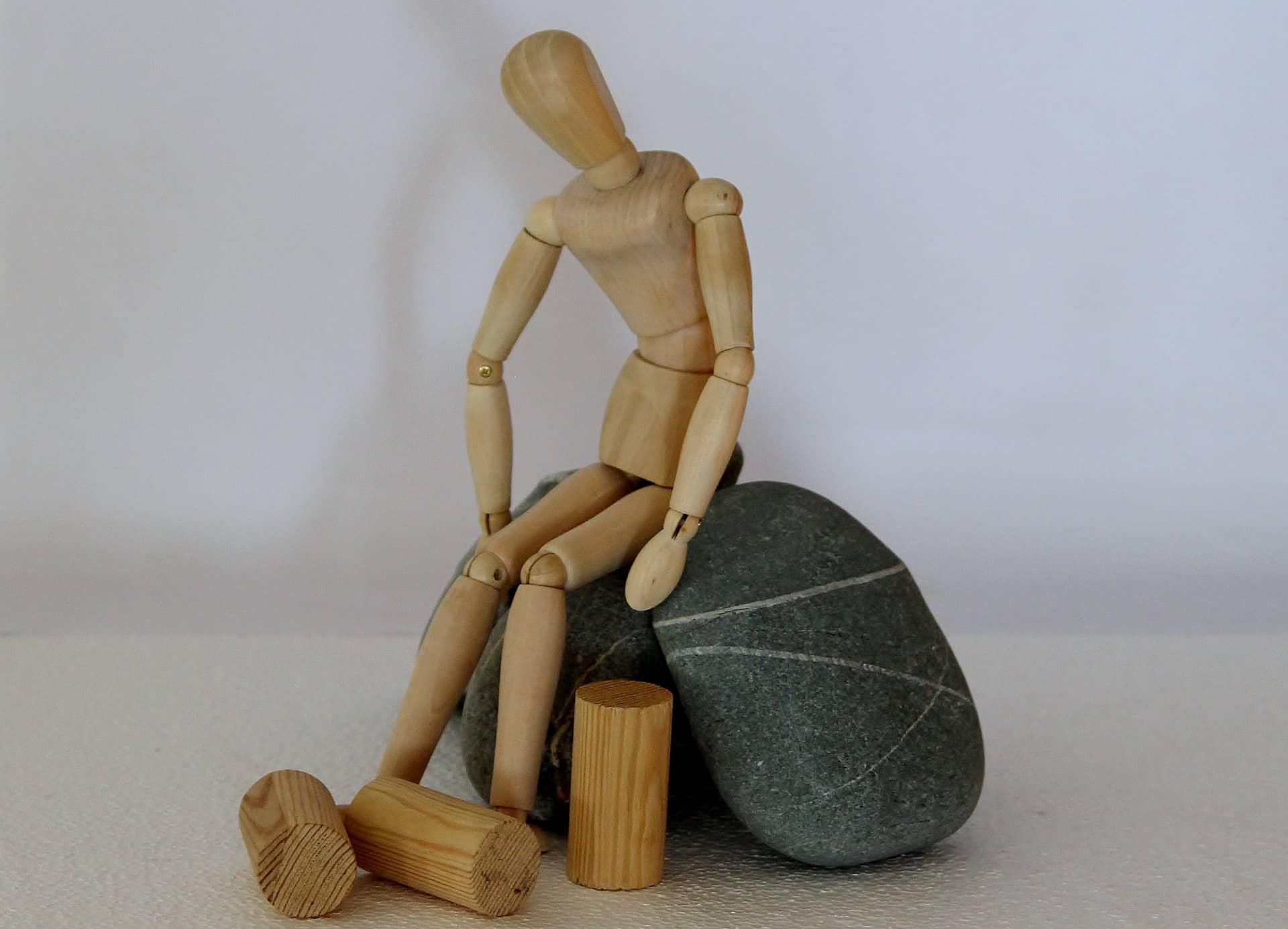 figur vid stenar